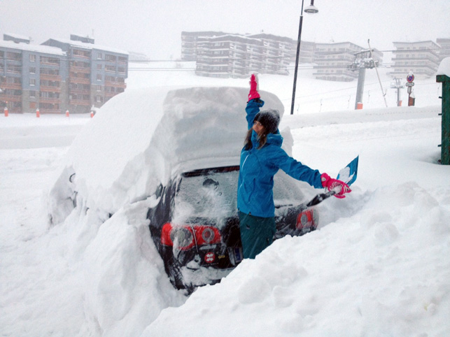 More pictures of cars covered in snow… | Skipedia