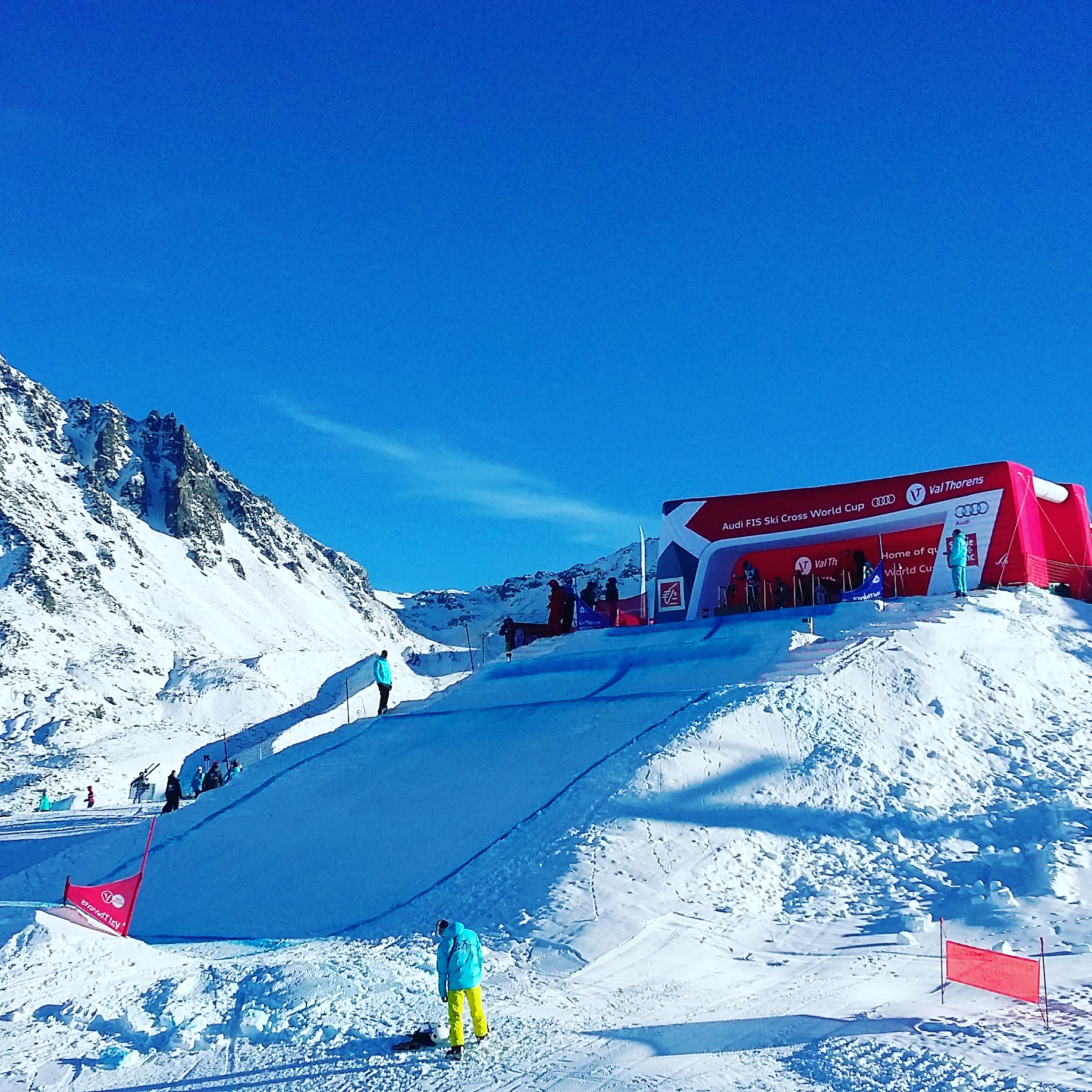 skier cross val thorens