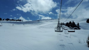 les saisies family skiing